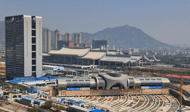中國史上最狂搬家工程,3萬公噸車站原地旋轉90度!